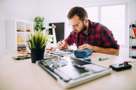 Master's in Electrical vs Computer Engineering